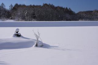 雪の飯綱大池